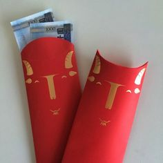 Funny 红包 or red enveloppes for the new year! Do the goat faces sort of look like devilish to you too? Envelope Design, Red Envelope, Chinese Element, Red Packet, New Year Designs, Mooncake, New Years Decorations, Happy Chinese New Year, New Year Card