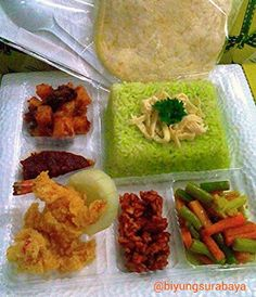 Jasa Catering Surabaya: Nasi Kotak Surabaya Selatan Finger Food Catering, Catering Food, Rice Recipes, Dessert Recipes, Healthy Recipes, Asian Fish Recipes, Ethnic Recipes, Food N, Food And Drink