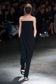 Givenchy Spring 2014 Ready-to-Wear Runway - Givenchy Ready-to-Wear Collection