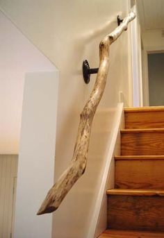 driftwood railing / staircase twisted tree branch - interior design home decorating neutral decor. I have a similar railing in my house but its DIY'd from a sassafras branch. Creation Deco, Diy Holz, Diy Wall Art, Cheap Home Decor, Unique Home Decor, Diy Home Decor On A Budget Easy, Geek Home Decor, Wood Home Decor, Decorating Your Home
