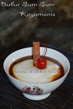 Diah Didi's Kitchen: Tips Membuat Bubur Sumsum Yang enak dan Lembut Indonesian Desserts, Indonesian Cuisine, Asian Desserts, Sweet Desserts, Indonesian Recipes, Baby Food Recipes, Sweet Recipes, Dessert Recipes, Cooking Recipes
