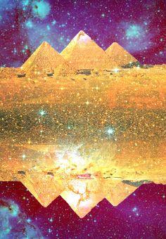 Pyramid Magick  bySilvana Di Borboni