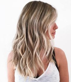 50 Blonde Hair Color Ideas for the Current Season Bronde Beach Waves Hairstyle Hair Color For Fair Skin, Hair Color And Cut, Beach Wave Hair, Beach Waves, Beach Hair Color, Summer Hair Colour, Ocean Waves, Brown Blonde Hair, Pale Blonde
