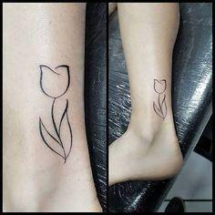 Resultado de imagem para tattoo tulipa
