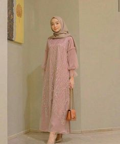 Inspirasi outfit kondangan – N&D – Hijab Fashion 2020 Dress Muslim Modern, Dress Brokat Modern, Kebaya Modern Dress, Muslim Dress, Dress Brokat Muslim, Modern Hijab Fashion, Muslim Women Fashion, Hijab Fashion Inspiration, Model Dress Batik