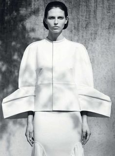 Line & Curve - structured fashion with a sculptural silhouette; 3D fashion details // Rick Owens