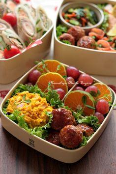 Teriyaki meatball bento box, featuring sides of pumpkin salad, madarin orange slices, & grapes Japanese Bento Lunch Box, Bento Box Lunch, Japanese Food, Bento Recipes, International Recipes, Food Design, Food Photo, Asian Recipes, Food And Drink