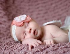 Shooting Light Photography - Newborn