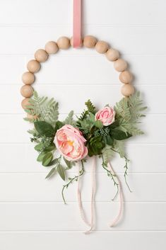 Home Decor Accessories Romanic Boho minimalist wreath with split balls, peonies, and succulents. Learn how to make one in 15 minutes! Easy step by step wreath tutorial Diy Garland, Beaded Garland, Wreath Crafts, Diy Wreath, Tulle Wreath, Burlap Wreaths, Diy Crafts, Diy Home Decor Projects, Easy Home Decor