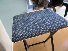 TV Tray Pressing Board Tutorial: http://myhoneysplace.com/even-more-the-best-only-diy-projects/