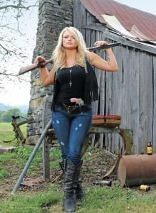 Miranda!! Going to see her in August with some of my girl frannnnnnsssss at farm bureau in Vbeach