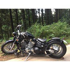 【kouhei030715】さんのInstagramをピンしています。 《この前のツーリングでの写真! この写真お気に入り👍  #ドラッグスター#ドラッグスター400 #バイク#アメリカンバイク#ヤマハ#山道#森#山#ツーリング#ビンテージ#ボバー#dragstar #motorcycle #custommotorcycle #bobber#yamaha#vintage#mountain#forest》