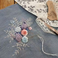 #Embroidery#stitch#stump work#needle work #프랑스자수#일산프랑스자수#자수#자수소품#자수타그램 #스카이블루칼라 린넨~가뿐하고 시원한느낌으로 ^^~ Hand Embroidery Projects, Floral Embroidery Patterns, Embroidery Motifs, Hand Embroidery Designs, Embroidery Applique, Brazilian Embroidery, Hand Stitching, Needlework, Ideas