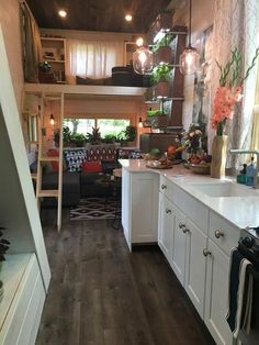 this is one of best layout of a tiny house I have seen. Would fit my needs just perfect