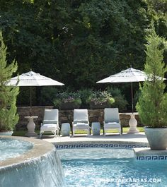 Kevin Walsh of Bear-Hill Interiors in Little Rock, Arkansas. At Home Arkansas. (like the umbrellas standing in the side tables :) Outdoor Spaces, Outdoor Living, Outdoor Decor, Fresco, Hill Interiors, Beautiful Homes, Beautiful Beautiful, House Beautiful, Cool Pools