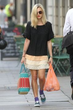 Fearne Cotton Funky Fashion, Boho Fashion, Girl Fashion, Womens Fashion, Fashion Styles, Fearne Cotton Hair, Pretty Outfits, Cool Outfits, Gamine Style