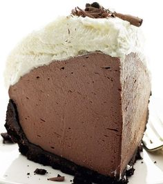 No Bake Chocolate Truffle Pie. This easy no bake pie, is delicious and perfect for any occasion. Chocolate Truffle Pie Recipe, Chocolate Truffles, Chocolate Desserts, Chocolate Cream, Chocolate Brownies, Chocolate Covered, No Bake Treats, No Bake Desserts, Easy Desserts