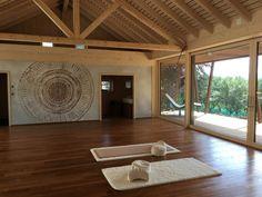 Corentin Meige - Décorateur spécialisé dans la création de fresque Creations, Small Hallways, Green Doors, Depth Of Field