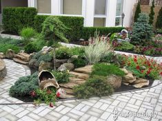 These Awesome 16 Backyard Landscaping Design Will Grab Your Attention Rock Garden Design, Pond Design, Modern Garden Design, Landscape Design, Side Garden, Garden Beds, Small Yard Landscaping, Evergreen Garden, Garden Projects