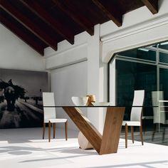 Valentino, tavolo by CATTELAN ITALIA.