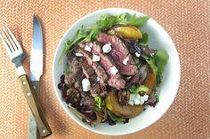 Salade de Steaks et Pêches poêlées avec Feta, Pacanes et Basilic Frais Steaks, Feta, Recipes, Steak Salad, Basil, Strawberry Fruit, Kitchens, Beef Steaks, Steak