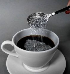 Coffee order : Two creamers and a spoonful of glitter to get your day started with a little sparkle! Boujee Aesthetic, Aesthetic Images, Aesthetic Wallpapers, Black And White Picture Wall, Black And White Pictures, Glitter Photography, Glitter Art, Sparkles Glitter, Body Glitter