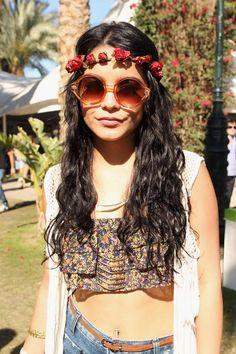 Vanessa Hudgens wearing a hair band of roses