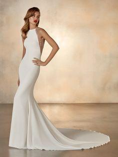 Soft Wedding Dresses, Wedding Dress Crafts, Crepe Wedding Dress, Wedding Dress Necklines, Wedding Dress Sizes, Bridal Dresses, Halter Neck Wedding Dresses, Kleinfeld Wedding Dresses, Lace Back Wedding Dress