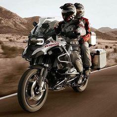 Make life a Ride! BMW R1200GS Repost @bmwmotorradpt Referentes del Dual Sport en…