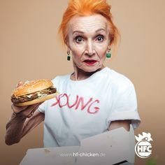 Hier kannst das entsorgen, aber meinen HFC Burger teile ich nicht mit dir 🤣 . #hfc #hfchicken #hfchickende #fastfood #burger #burgers #hamburger #chickenburger #fingerfoods #food #instafood #chicken #pommes #fastfoodliebhaber #instaburgers #dillenburg #giessen #lieferservice Fast Food, Hamburger, Halloween Face Makeup, Burgers