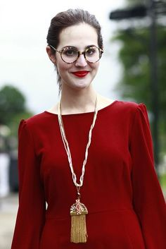 16 melhores imagens de Oculos   Girls in glasses, Sunglasses e Cat ... a06ea3493c