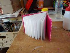 No Canto da Mesa: Passo a Passo do seu próprio Sketchbook!