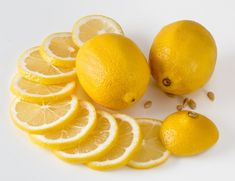 Lemon benefits for health-Lemon Water Lemons are a highly refreshing fruit and a great gift from nature. They give us great fresh ju. Weight Loss Tea, Best Weight Loss, Lose Weight, Aldi Marken, Combattre La Cellulite, Lighten Dark Spots, Keto Fruit, Lemon Diet, Lemon Benefits