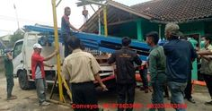 Perkenalkan kami spesialis rancang bangun mesin conveyor di Jakarta dan sekitarnya