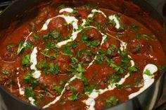 Het recept Griekse gehaktballen met tomatensaus is geen traditionele Grieks recept, maar als onderdeel van mijn Griekse maaltijd met Tzatziki en geroosterde bloemenkool met feta en muntheb ik het recept toch de naam Griekse gehaktballen met tomatensaus genoemd. Met de diverse kruiden krijg je mooie smaakvolle gehaktballen aangevuld met een mooie tomatensaus. De tomatensaus kan […]