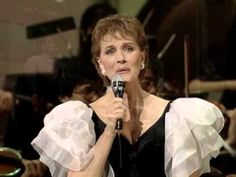 Julie Andrews - Edelweiss - 2/17/1995 - unknown (Official)