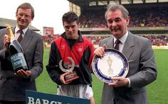 """""""A young Roy Keane and Brian Clough both receiving awards at Nottingham Forest in Brian Clough, Nottingham Forest Fc, Any Given Sunday, Roy Keane, Red Army, Soccer Shirts, Sport Football, One Team, Premier League"""