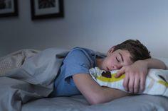 #Algo está robando el sueño a los adolescentes, pero el remedio es sorprendentemente sencillo - Business Monkey News (blog): Business…