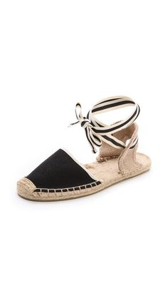 Espadrilles for summer travels. A stylish alternative to flip flops. / the love assembly