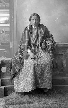 Paula (the wife of Louie Sitting Bull) - Hunkpapa - no date