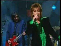 ▶ Eurovision 1997 - Katrina & The Waves - Love shine a light - YouTube