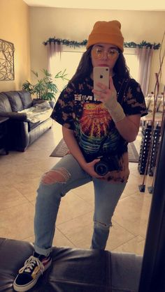 skater lady vibes Mariah Curley 5 Components Affecting The Price Of Laser Hair Removing Laser hair e Tomboy Fashion, Teen Fashion, Tomboy Stil, Girls Ripped Jeans, Tomboyish Outfits, Lesbian Outfits, Streetwear Mode, Chubby Fashion, Skater Girl Outfits