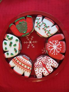 Ugly Christmas Sweater Cookies ~ perfect for the Ugly Christmas Sweater Party! (no recipe but look easy enough to decorate, good reference pic, still need to get the sweater cookie cutout). Galletas Cookies, Iced Cookies, Cute Cookies, Royal Icing Cookies, Cupcake Cookies, Cookies Et Biscuits, Christmas Sugar Cookies, Christmas Sweets, Christmas Goodies