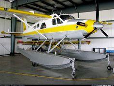 Sea Plane, Float Plane, Aircraft Maintenance Manual, Aviation Center, Plane And Pilot, Amphibious Aircraft, Naval Aviator, Bush Plane, Flying Boat