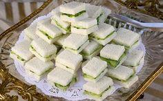 Sandwiches de pepino y queso crema