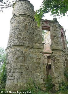 Haunted Castle near Aylesbury - a little building project. I know a man who can!