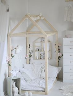Toddler floor bed with tent frame - white kids bedroom Retro Furniture, Kids Furniture, Furniture Stores, Baby Bedroom, Girls Bedroom, Toddler Floor Bed, Toddler House Bed, Big Girl Bedrooms, House Beds