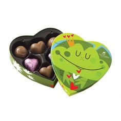 What the kids are getting this year -- Lake Champlain Chocolates' Friendly Frog Valentines Chocolate Box Chocolate Frog, Chocolate Hearts, Chocolate Peanut Butter, Valentines Day Chocolates, Valentine Chocolate, Happy Valentines Day, Heart Shaped Chocolate, Jouer, Heart Shapes