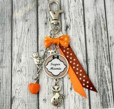 defd1314eaa5 Etsy - Achetez des cadeaux faits main, vintage, personnalisés et uniques  pour tout le monde. Porte clefs mamie bijou de sac ...