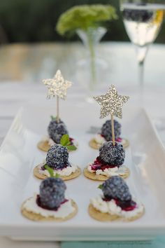 Blackberry Goat Cheese Crackers for a Happy New Year